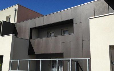 Fixations invisibles pour façades «standing».